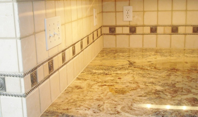 Cream Backsplash1 SM
